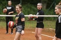 Vláda ČR povolila sportovat a na kolínských sportovištích je rázem plno.