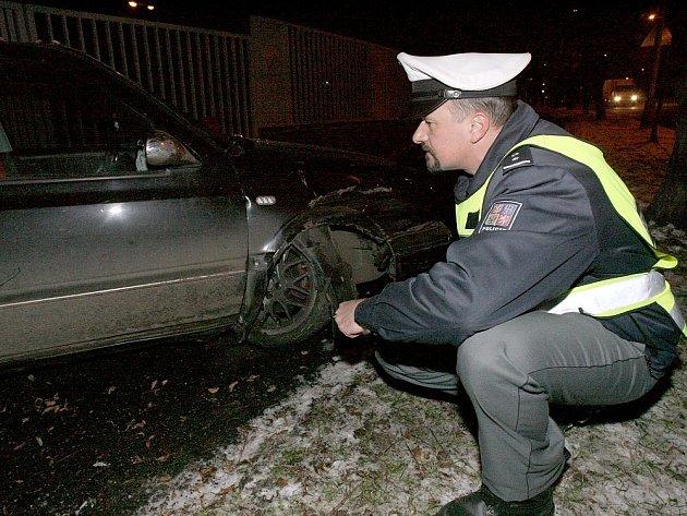 Z dopravní nehody ve čtvrtek 29. listopadu 2007 v Masarykově ulici v Kolíně.