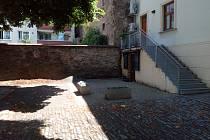 Nádvoří Zámecké hodlá město opravit a propojit s areálem zámku
