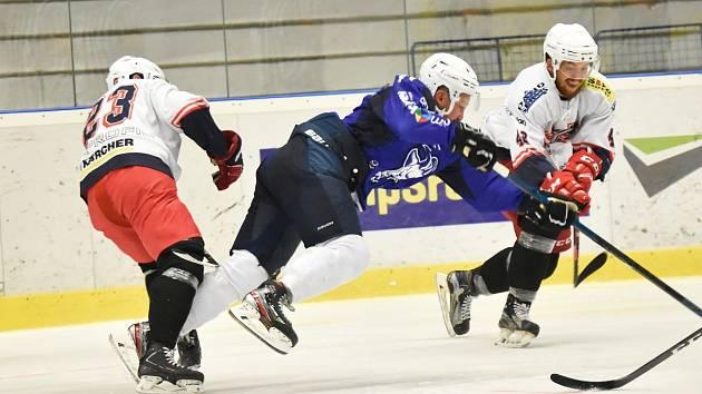 Hokejová II. liga: SC Kolín - David servis České Budějovice 3:1.