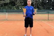 Patrik Ulrich opanoval turnaj v Kolíně. Vyhrál singla i debla.
