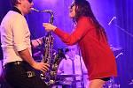 Z koncertu kapely Laura a její tygři v Městském společenském domě v Kolíně.