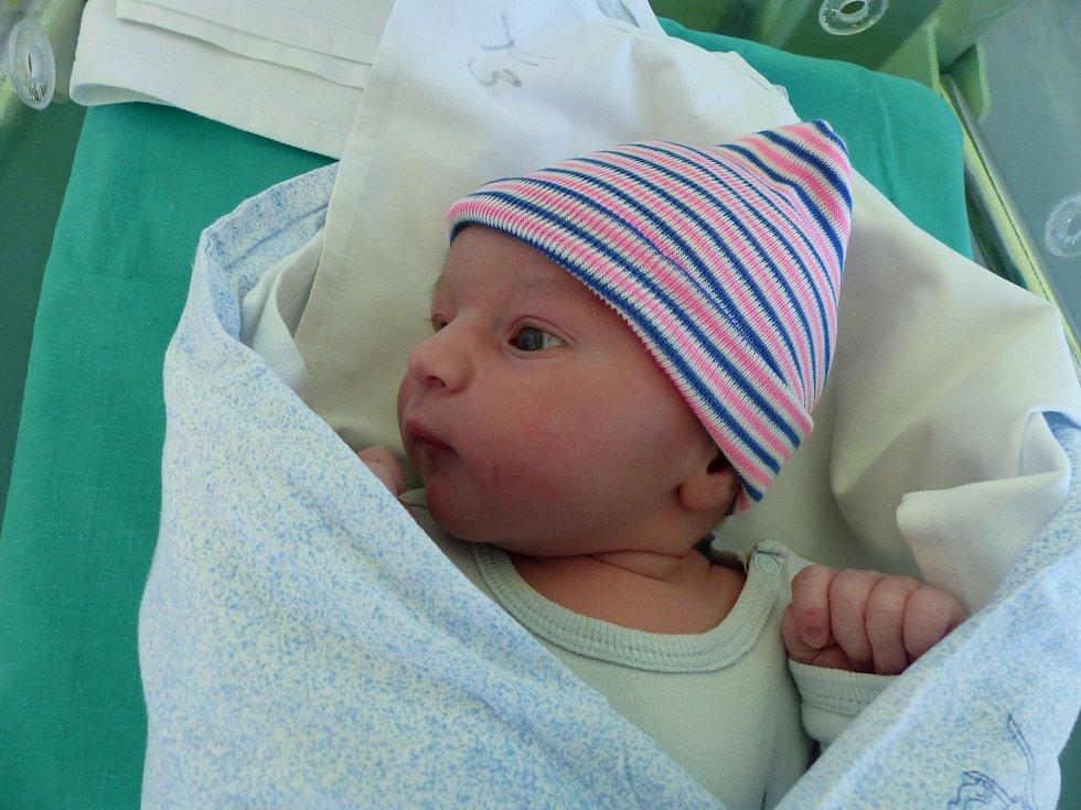 Marek Tvaroha se narodil 15.11.2018 s mírami 3330 g a 50 cm. V Krakovanech se na něj těší maminka Monika a tatínek Ondřej.