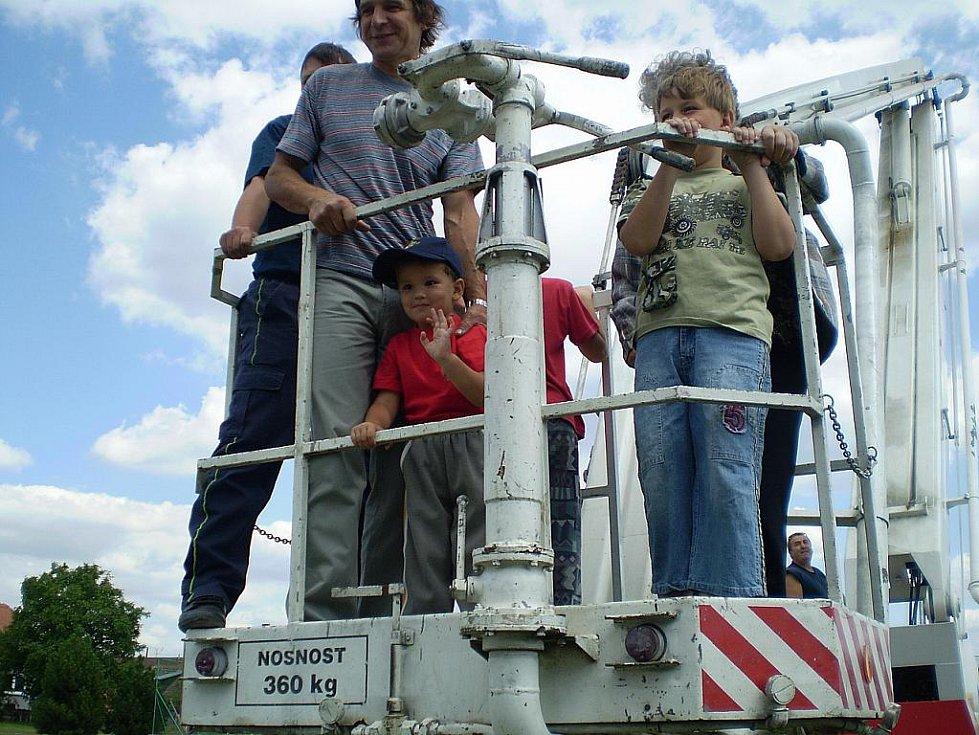 Na pravidelnou soutěž v Radovesnicích II se sjíždí až pět set lidí.
