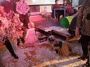Dětský karneval přilákal spoustu návštěvníků.