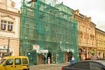 Další ze soukromých domů na kolínském Karlově náměstí se dočká nové tváře.