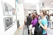 Komunitní centrum otevřela výstava mladých výtvarníků