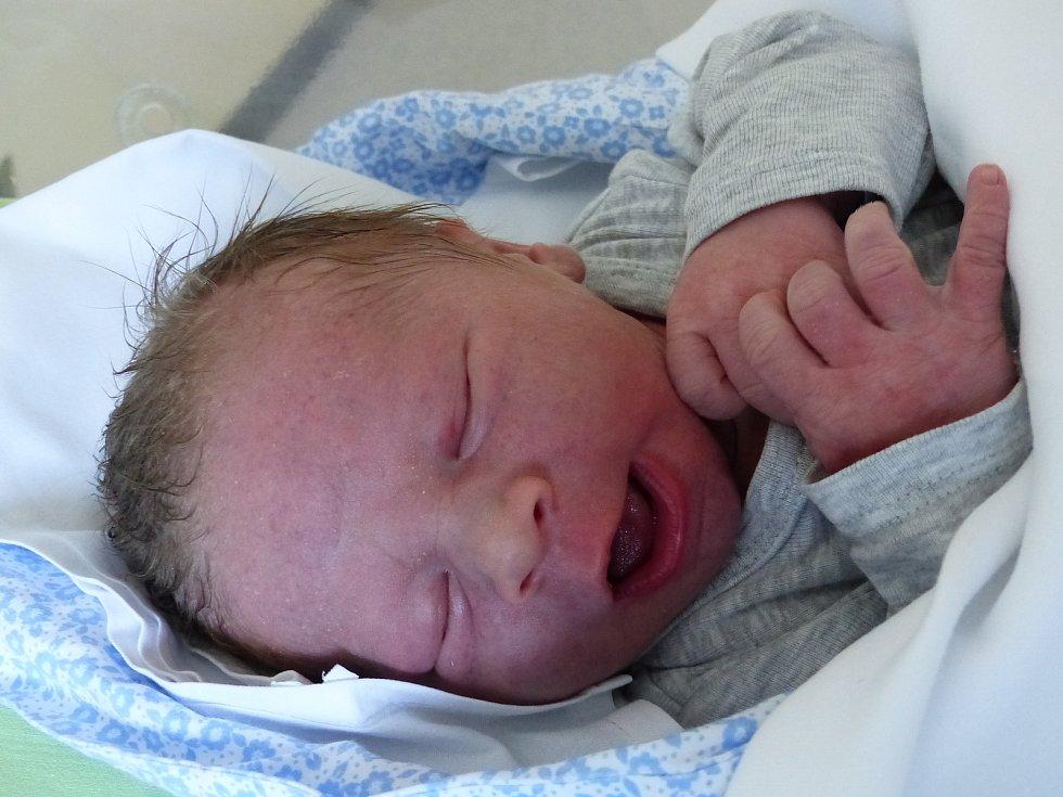 Jiří Repáň se narodil 6. září 2021 v kolínské porodnici, vážil 3550 g a měřil 50 cm. Do Štíhlic odjel s maminkou Barborou a tatínkem Jiřím.