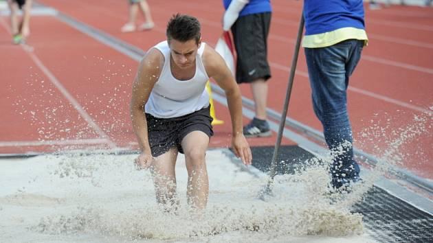Kolínské sportovní hry začaly na atletickém stadionu