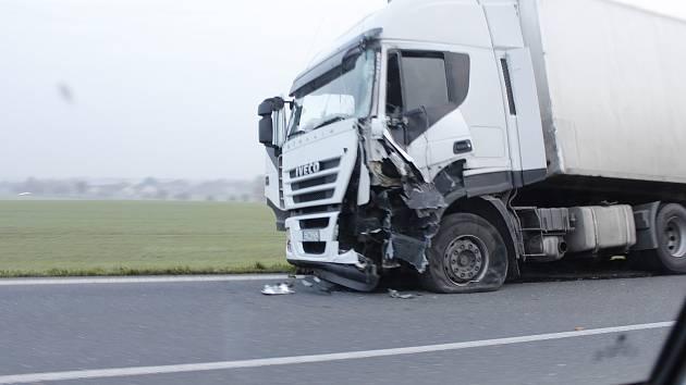 Nehoda si vyžádala jen lehké zranění řidiče.