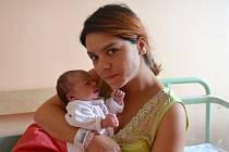 Kristýna Mrázová se narodila 28. října 2014 mamince Tereze a tatínkovi Romanovi z Toušic. Její první míry činily 48 centimetrů a 2760 gramů. Doma sestřičku přivítaly Tereza (8) a Gabriela (7).
