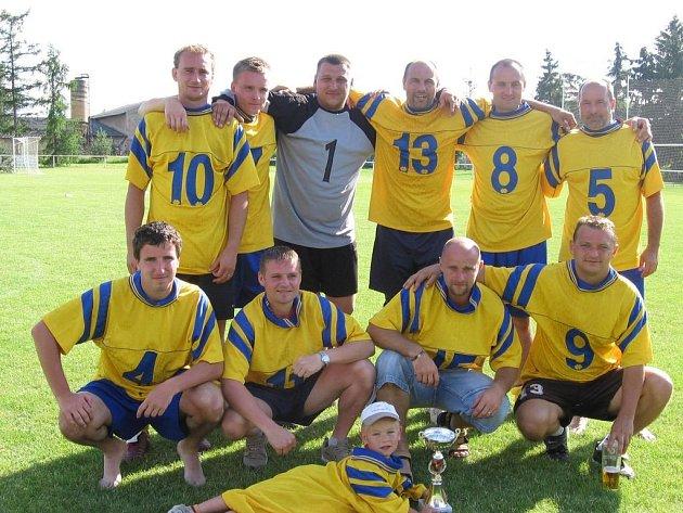 Fotbalisté Tuchorazi ovládli podruhé v řadě vlastní turnaj.