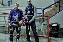 Kapitáni obou klubů – Josef Malý (lední hokej) a David Machač (basketbal).