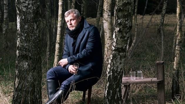 Herec a moderátor Vasil Fridrich, který bude provádět návštěvníky TPCA Beat festivalem, na snímku z představení Strýček Váňa.