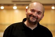 Folkový písničkář Jan Burian.