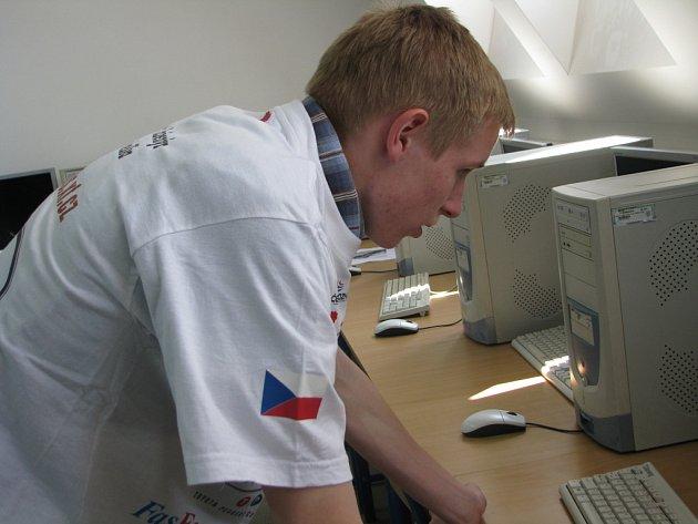 Kolínské týmy F1 se připravují na pražské finále.