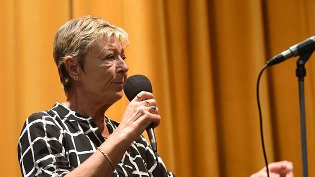 S Combem si zazpívala Vanda Švolbová, taneční sólo si užili i novomanželé.