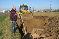 Výstavba vodovodního přivaděče z Radimi do Peček, listopad 2013