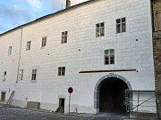 Opravená část kolínského zámku.
