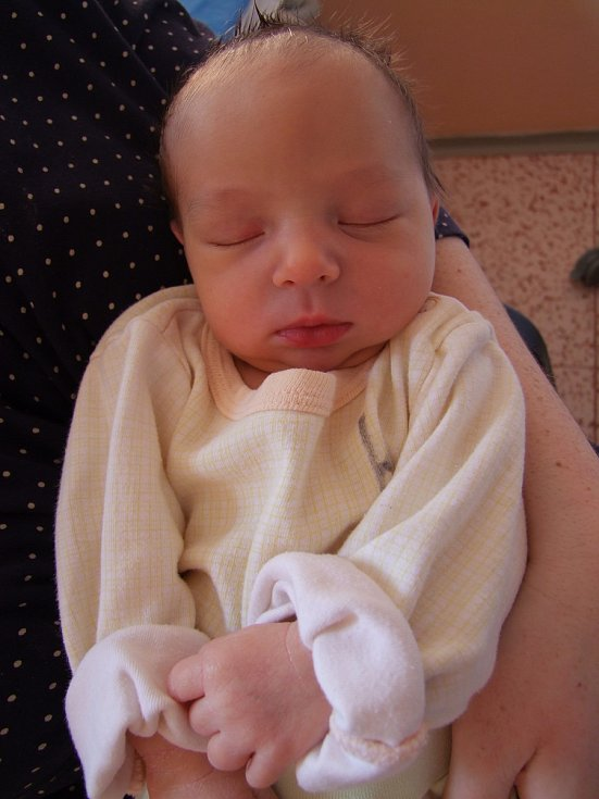 Emma Vaněčková uviděla poprvé svoji maminku Martinu 26. 2. 2018. Po porodu vážila 3195 gramů a měřila 49 cm. Do Zruče nad Sázavou, kde bude vyrůstat, se rozjede s maminkou a tatínkem Tomášem.