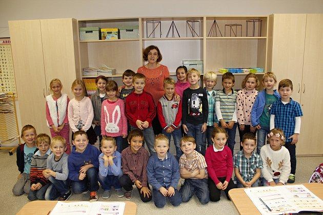 Žáci 1.C ZŠ Žitomířská střídní učitelkou Alenou Strnadovou