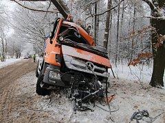 Nehoda sypače u Hradešína
