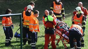 Na Kolínsku srazilo auto cyklistu, na místo letěl záchranářský vrtulník 2