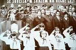 Snímek zaznamenává oslavy 9. května 1970 k dvacátému pátému výročí od osvobození Rudou armádou.