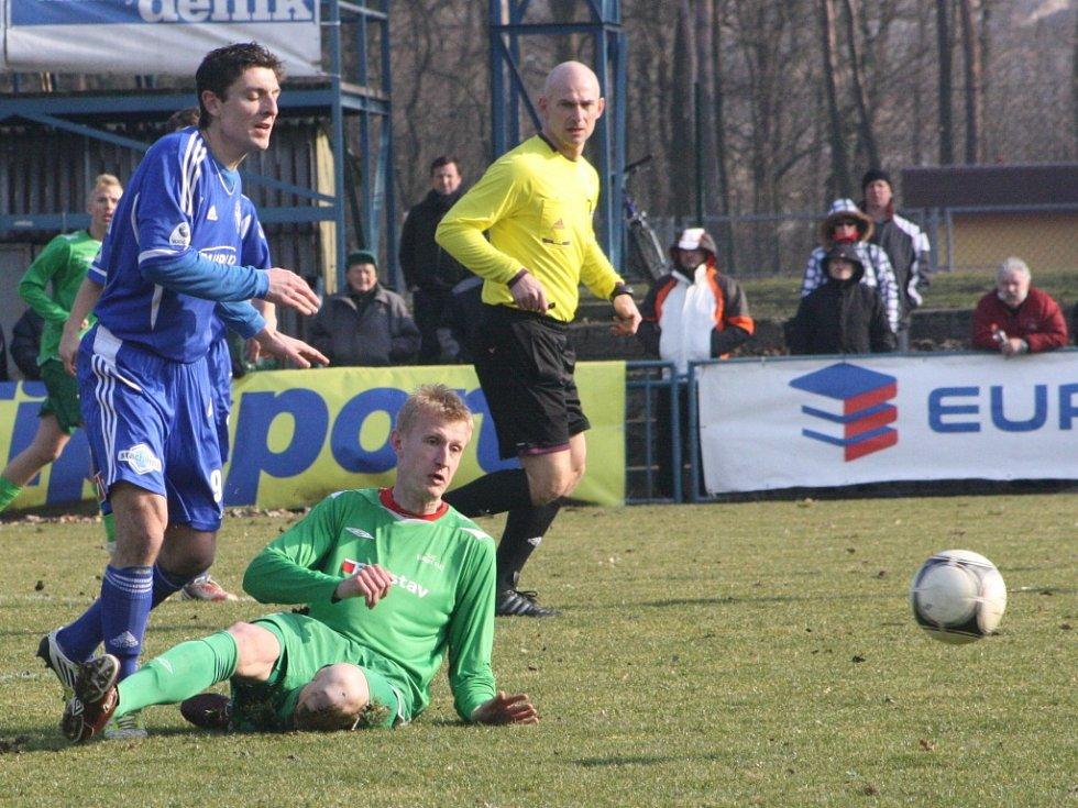 Z utkání FK Kolín - Karlovy Vary (3:2).