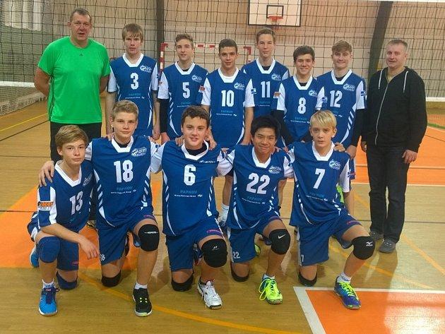 Mladí kolínští volejbalisté obsadili na domácím turnaji skvělé třetí místo.