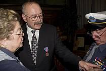 Vyznamenání starosty Jiřího Buřiče skatuským oceněním