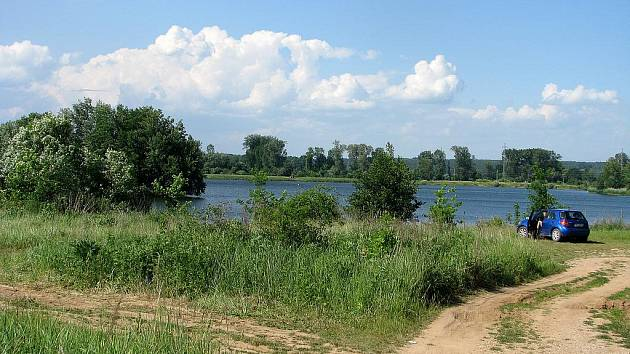Písník Sandberk je už celé roky vyhledávaným místem rekreantů i rybářů.
