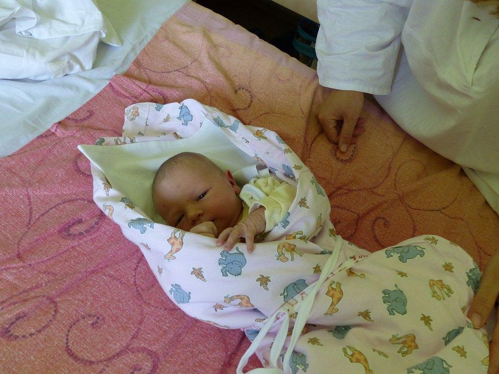 Barbora Kuželová se narodila 2. května 2018. Její míry byly 3460 gramů a 50 cm. S maminkou Lenkou, tatínkem Vlastimilem a sestřičkou Karolínou (2) bude bydlet v Kutné Hoře.