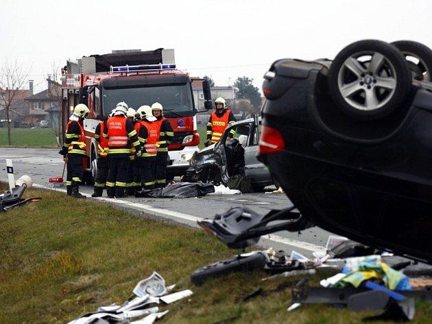 Smrtelná nehoda mezi obcemi Veltruby a Velký Osek na Kolínsku.