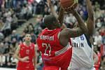 Z basketbalového utkání Mattoni NBL Kolín - Pardubice (71:82)