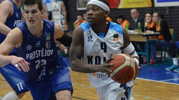 Z utkání BC Geosan Kolín - Prostějov (84:56).