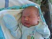 Dvouletý Románek se dočkal bratříčka. Štefan Houska se narodil 10. května 2017 s váhou 3690 gramů a výškou 51 centimetrů. Sourozenci budou s maminkou Marinou a tatínkem Romanem vyrůstat v Tatcích.