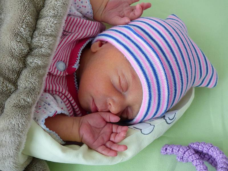 Sofie Machová se narodila 1. října 2021 v kolínské porodnici, vážila 2060 g a měřila 43 cm. Do Starého Kolína odjela s maminkou Monikou a tatínkem  Zdeňkem.