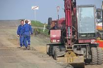 Oprava silnice v Kořenicích si vyžádala dlouhou oficiální objížďku.