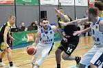 Z utkání BC Kolín - Ústí nad Labem (90:93).