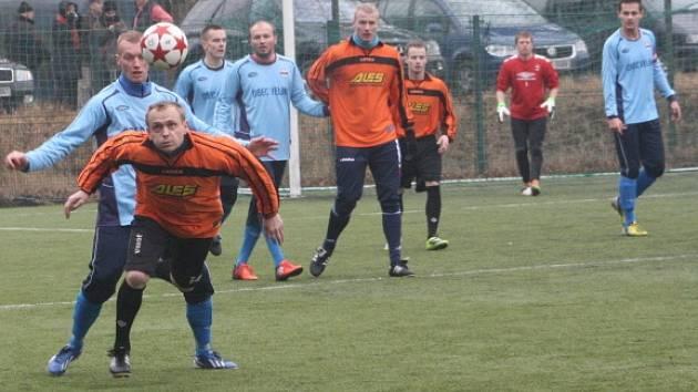 Z utkání zimního turnaje Velim - Nymburk (1:3)