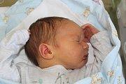 Alena a Pavel z Chrášťan se dočkali syna. Aleš Polák se poprvé rozhlédl 24. září 2017 Měřil 49 centimetrů a vážil 3665 gramů.