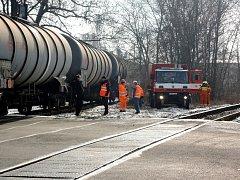 Vykolejený vlak blokoval dopravu