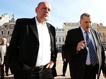 Při debatě se senátorem Janem Rakušanem (vpravo).