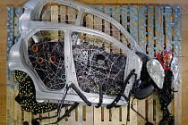 Z vyřazených autodílů TPCA vzniklo umělecké dílo - obří moucha