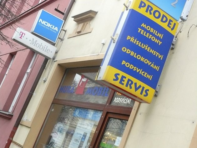 Kolínská prodejna, ve které si Romana Ryšavová koupila mobilní telefon.