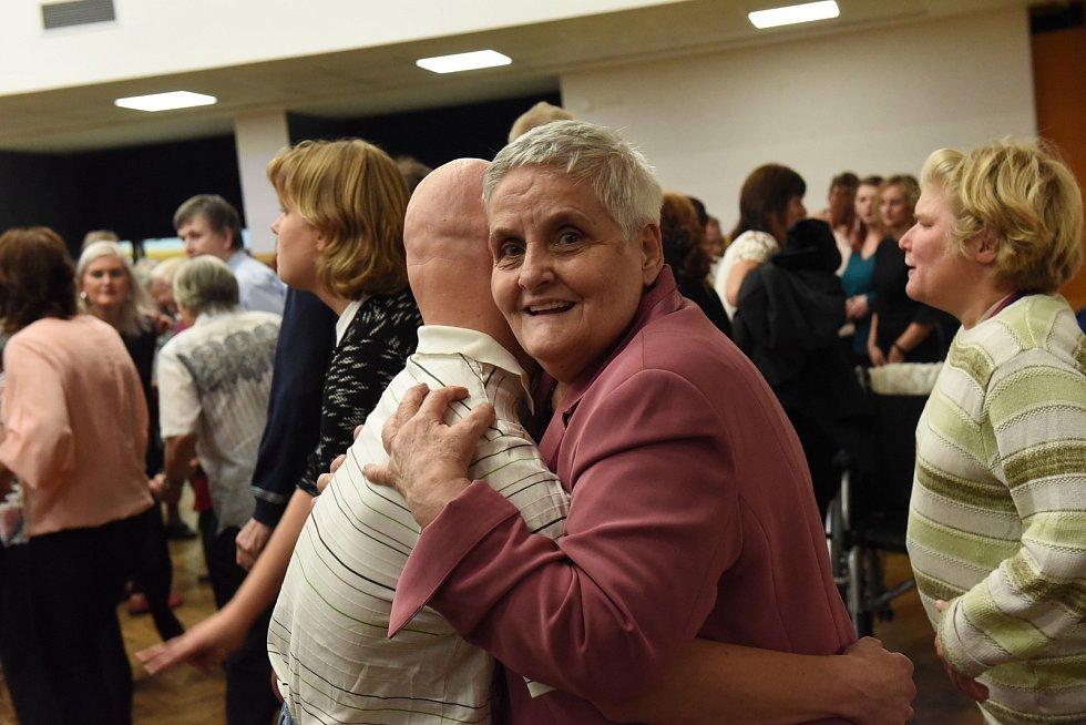 Podzimní ples pro osoby se zdravotním postižením 2019.