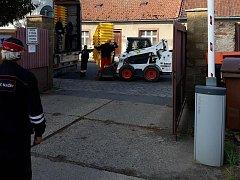 Žluté popelnice na plast v areálu Technických služeb v Českém Brodě.
