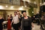 Ples se konal v kolínském Hotelu Theresia.
