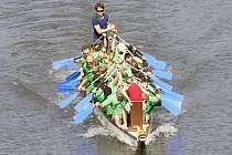 Závody dračích lodí 2014